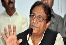 मैं मोदी सरकार की राजनीतिक 'आइटम गर्ल' हूं- आजम खान