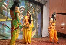 यहां उर्दू में होती है रामलीला, इस अनोखे तरीके से मनाया जाता है दशहरा